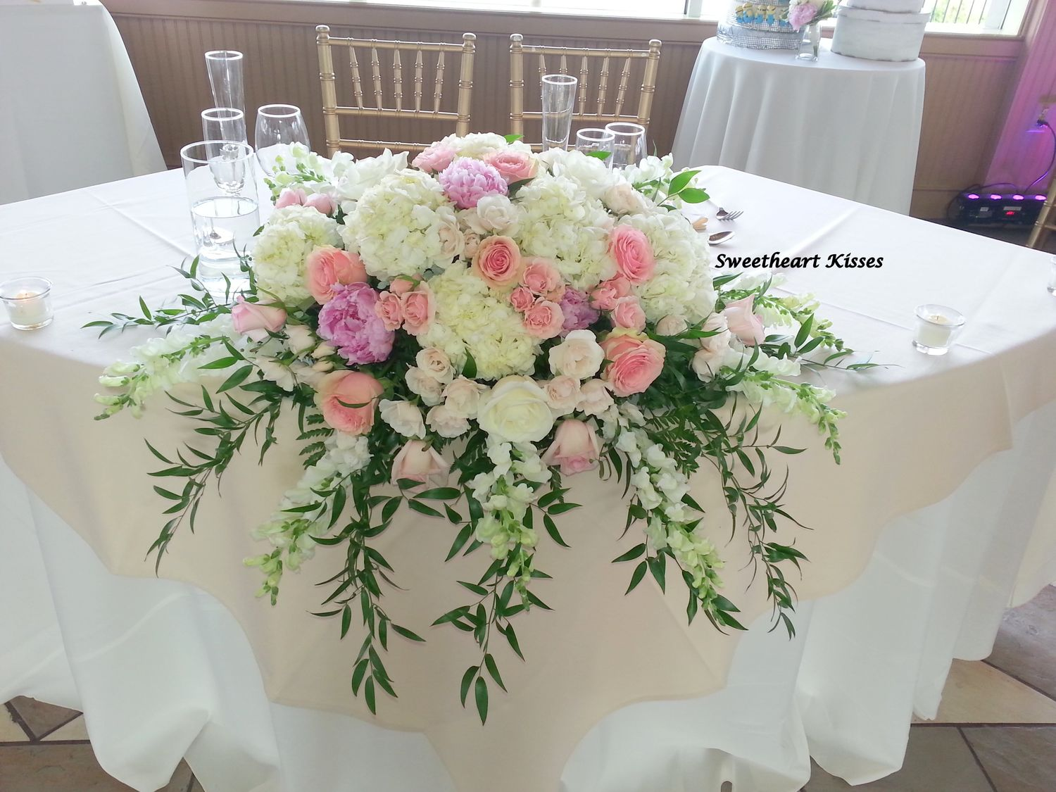 Everyone knows planning a special event can be frustrating, especially when it comes to time-consuming and burdensome tasks like choosing vendors and dealing with stressful table, chair and linen rentals, contracts and tight timelines.